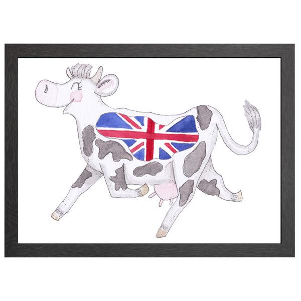 Verfraai je ruimte met deze Engelse koe, de poster Crazy koe UK, in een zwarte MDF LIJST MET PLEXIGLAS COVER uit de Joyin collectie.